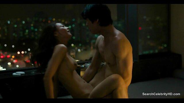 Beobachten Sie die kostenlose sexfilme von reifen frauen Romantik des Meeres
