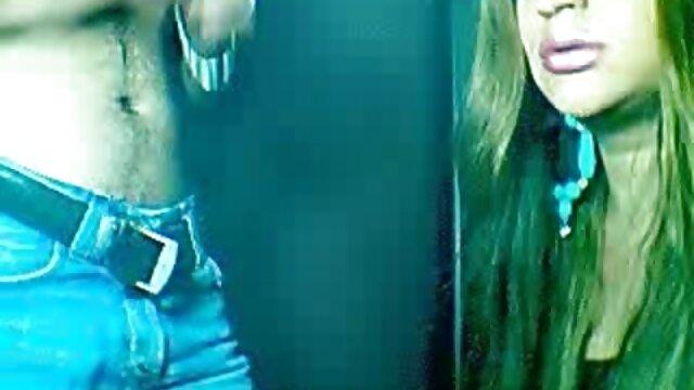In sexfilme mit frauen ab 40 roten Haaren und Sperma im Wasser