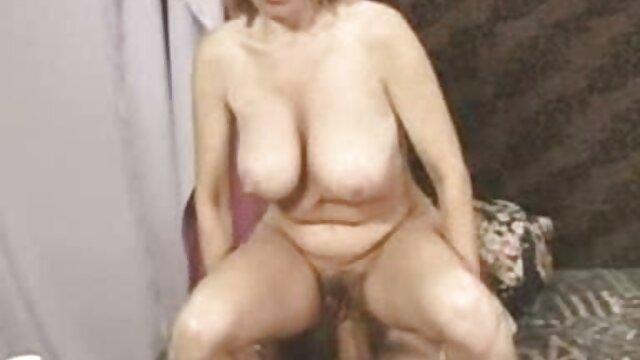 Schön und Blond, kostenfreie pornofilme mit reifen frauen ist eine person, die