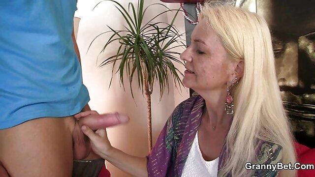 Alte mit einem Mitglied von drängen Sie in sexfilme ab 50 ein Stöhnen