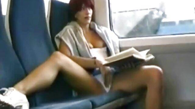 Niedlich auf dem Speisewagen des kleinen sexfilme ältere damen Jungen